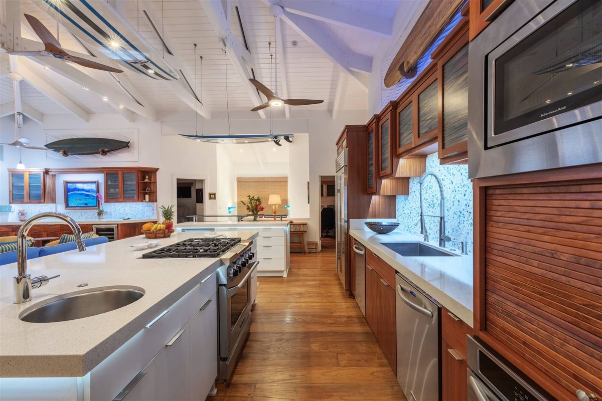 Luxury properties Hanalei Beachfront Estate