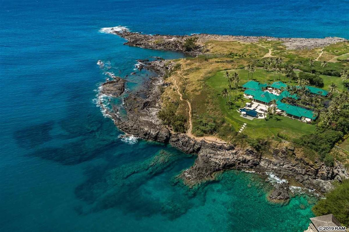 Luxury homes Hawea Point on West Maui