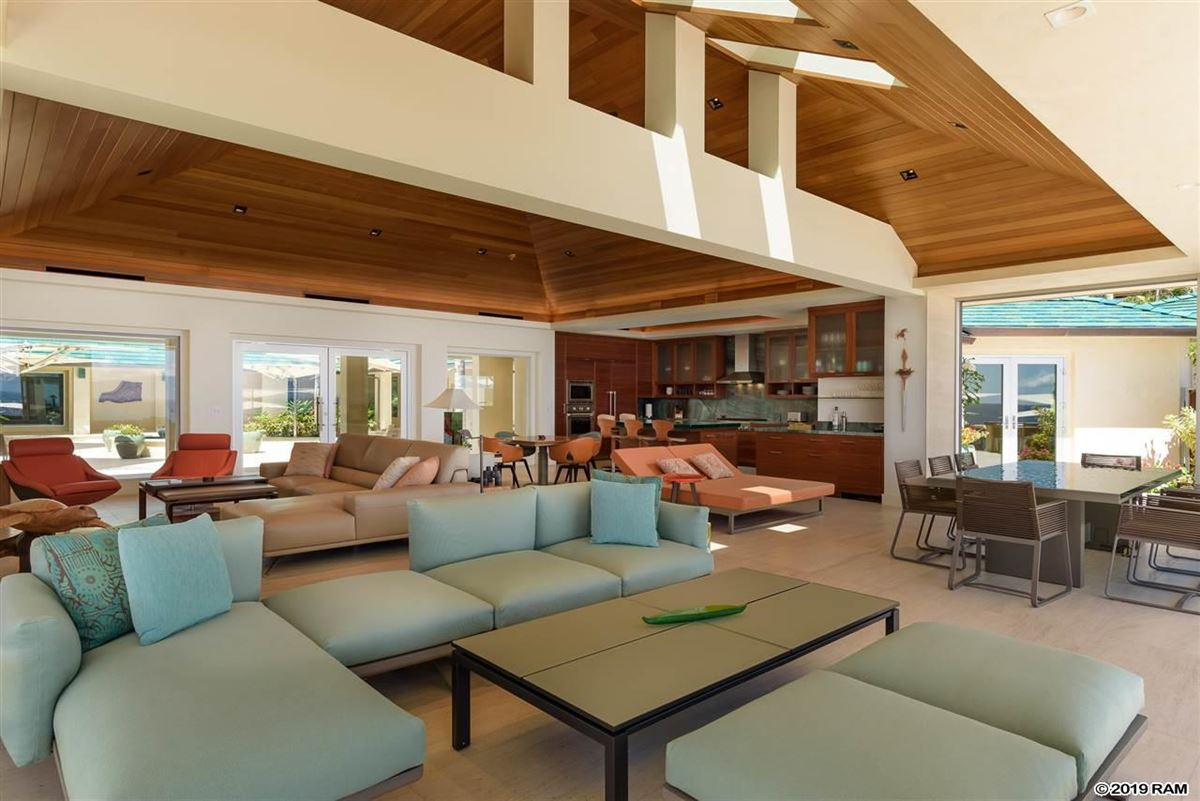 Luxury properties Hawea Point on West Maui