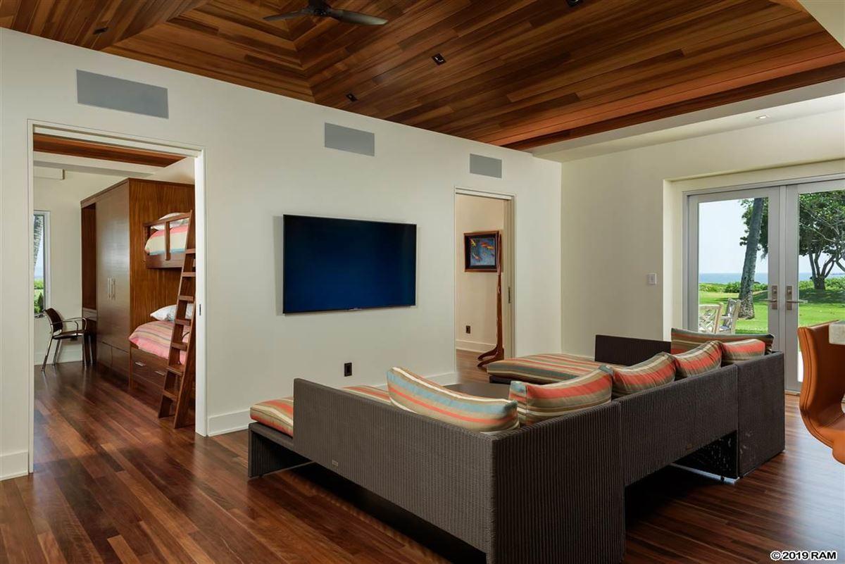 Luxury properties Hawea Point on West Maui