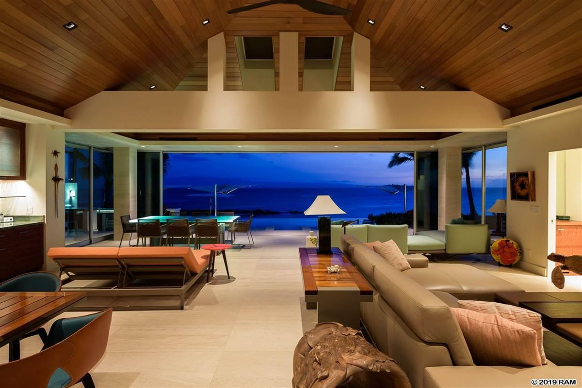 Hawea Point on West Maui mansions