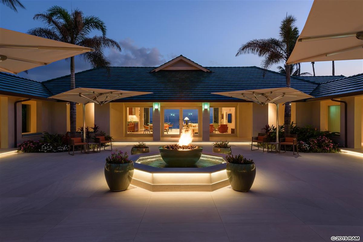 Luxury homes in Hawea Point on West Maui