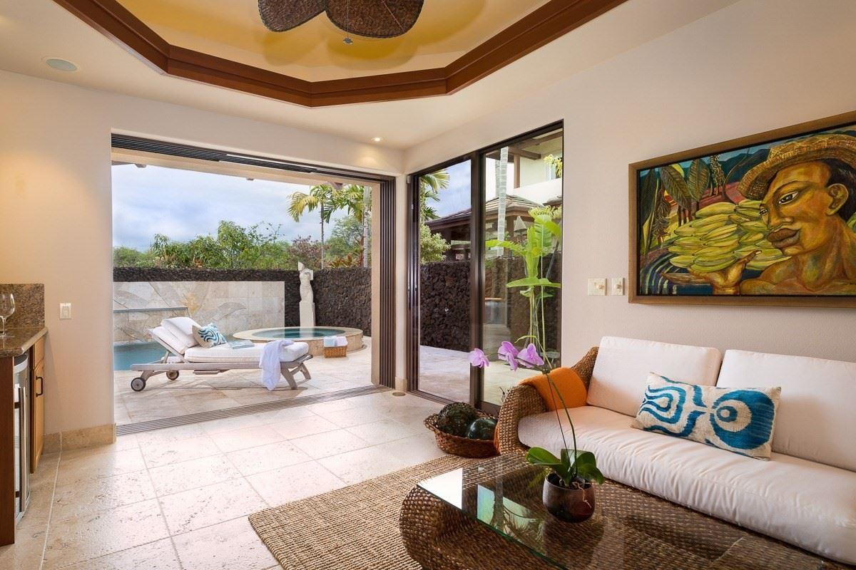 Mansions expansive custom residence in Ke Alohi Kai