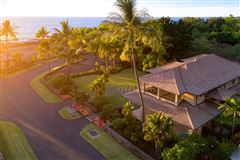 Luxury properties expansive custom residence in Ke Alohi Kai