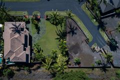 expansive custom residence in Ke Alohi Kai mansions