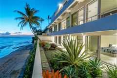 Luxury homes modern luxury in Prime Diamond Head oceanfront location