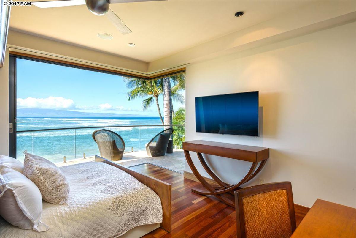 Luxury homes magnificent Kahana Estate