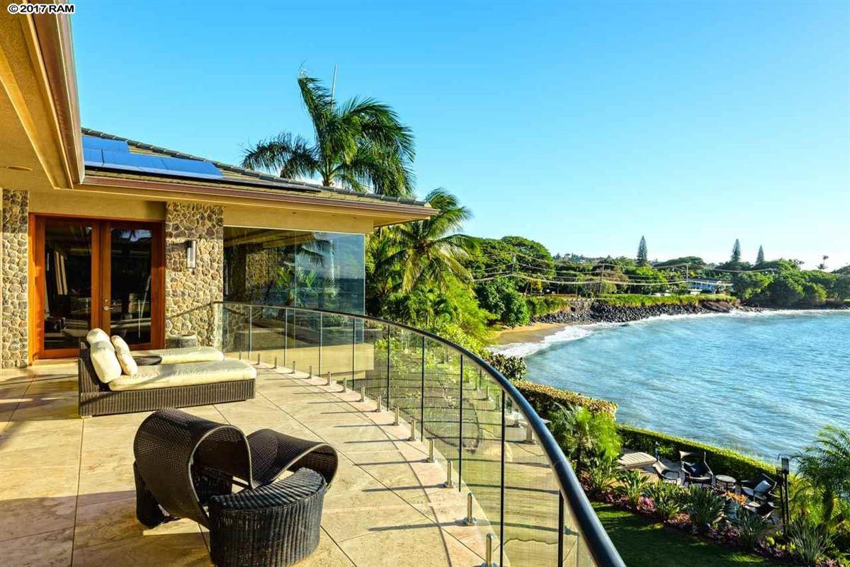 Luxury real estate magnificent Kahana Estate