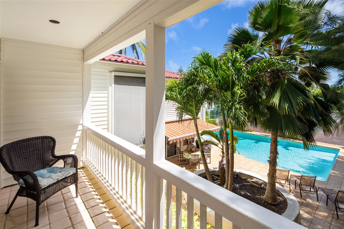 Luxury homes in Your own private getaway steps from Lanikai beach