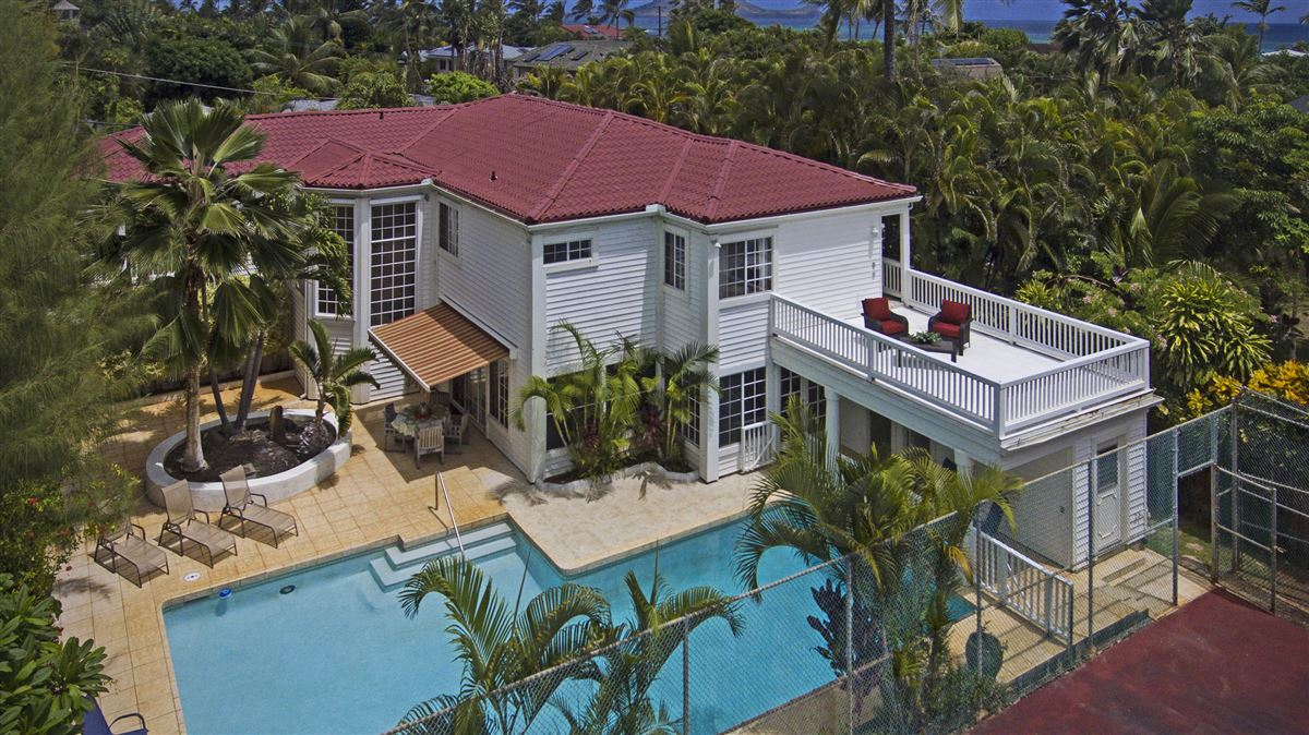 Your own private getaway steps from Lanikai beach luxury homes