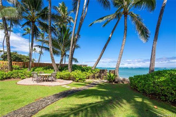 Luxury properties OCEANFRONT SECLUSION