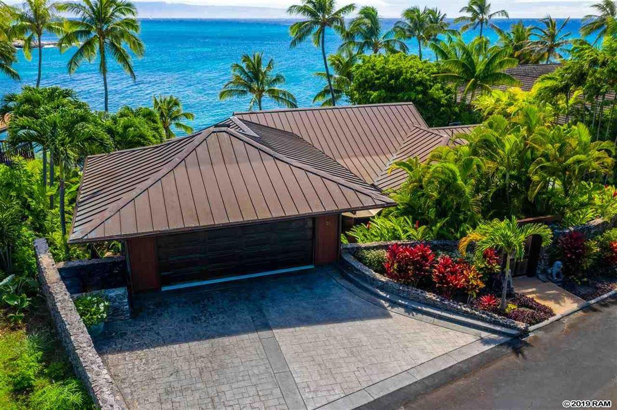 Luxury homes private portion of West Maui's Kahana coastline