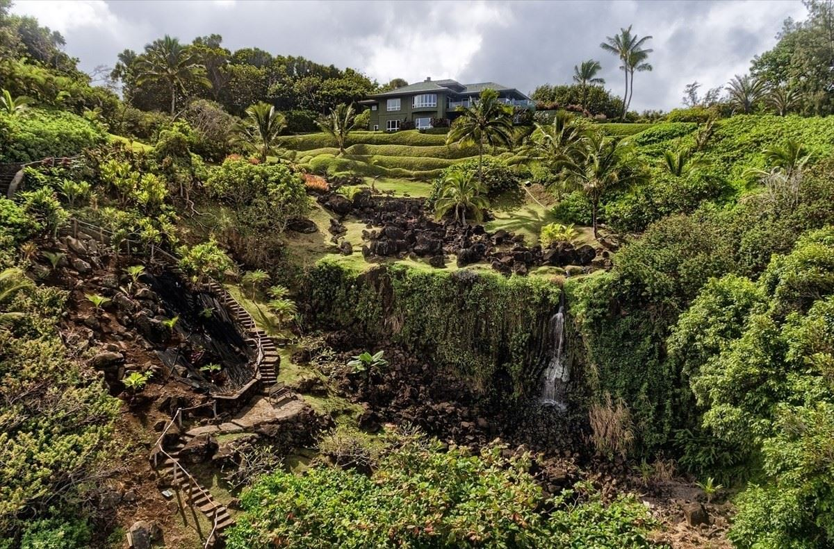 more than 21 acre estate on the North Shore of Kauai luxury properties