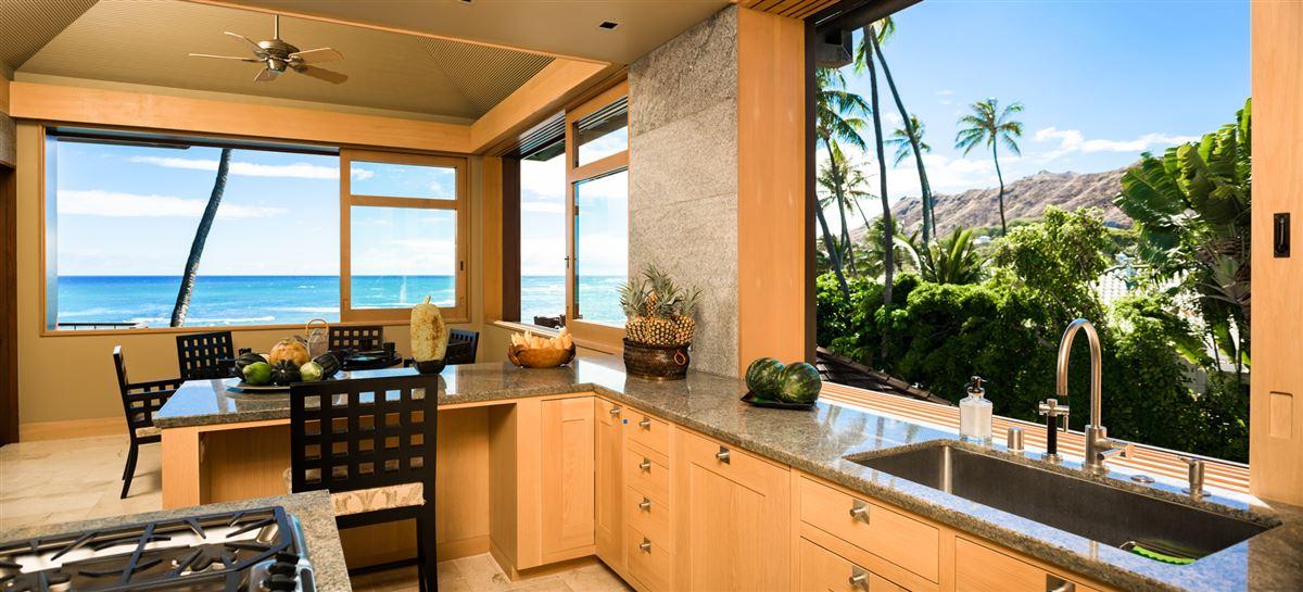Luxury real estate Elegant contemporary oceanfront