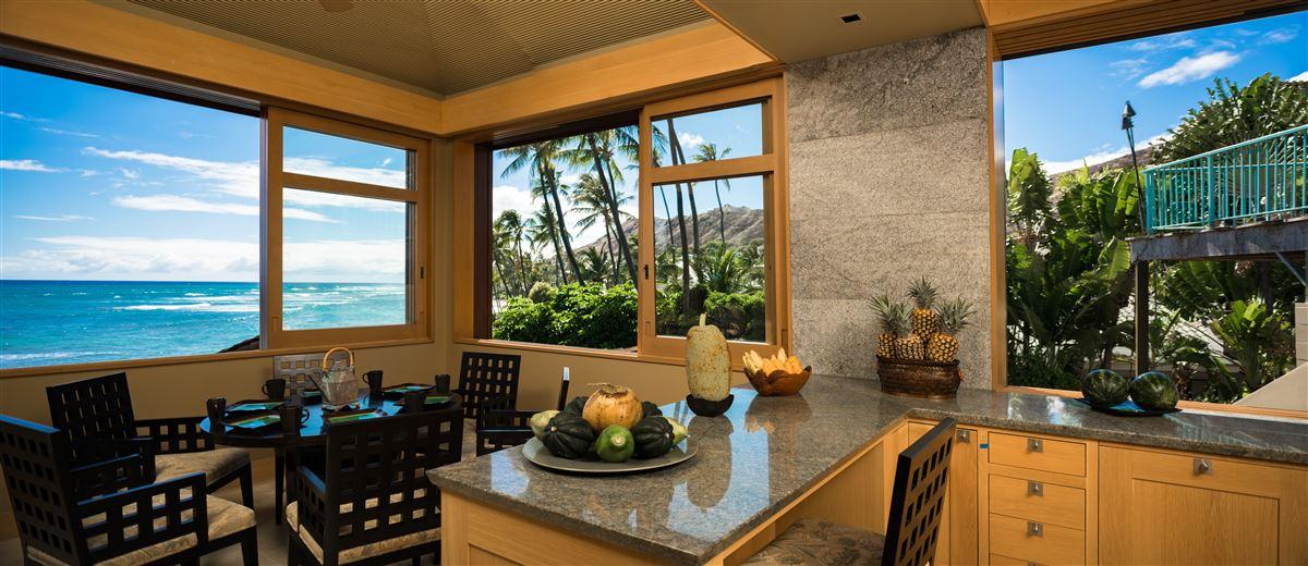 Elegant contemporary oceanfront luxury real estate