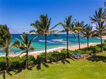 Luxury homes in beachfront Luxury estate compound