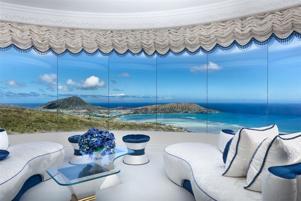 Hollywood glamour and New York elegance in honolulu luxury homes
