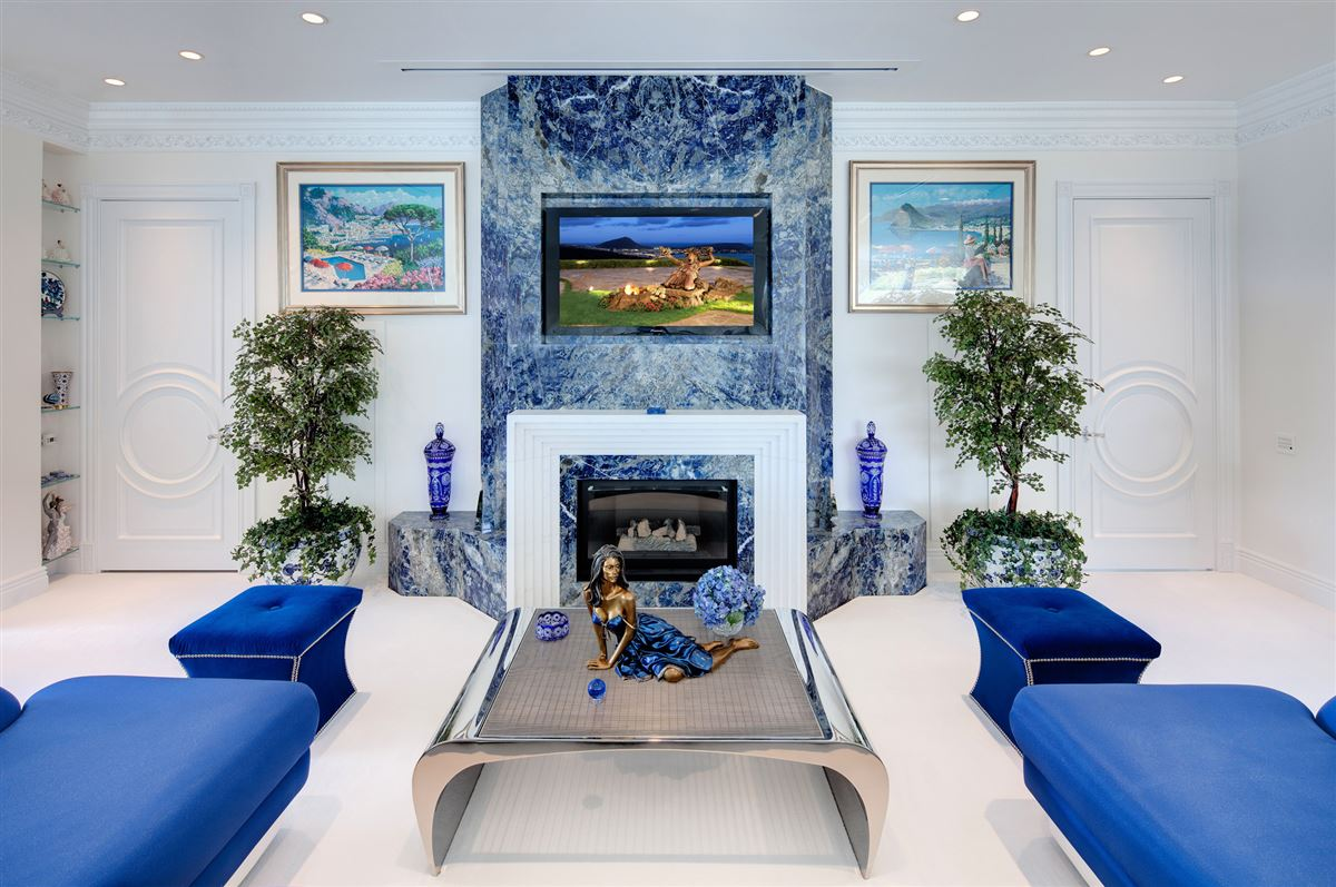 Mansions  Hollywood glamour and New York elegance in honolulu