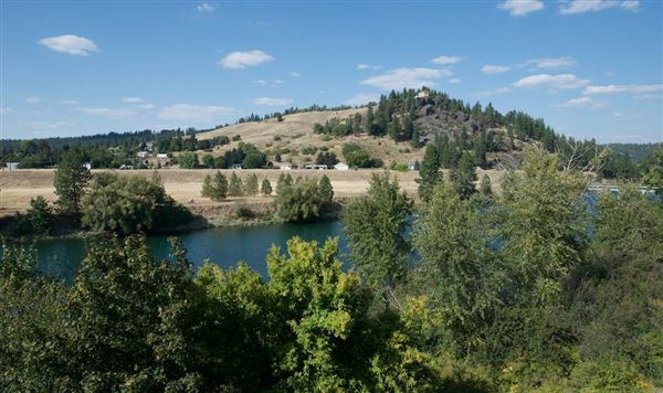 beautiful craftsman rancher on Spokane River luxury homes
