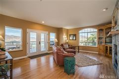 Luxury homes in Stunning Fancher Heights view home