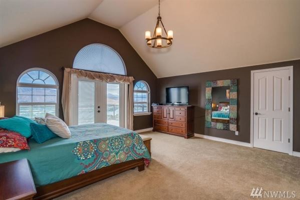 Stunning Fancher Heights view home luxury real estate