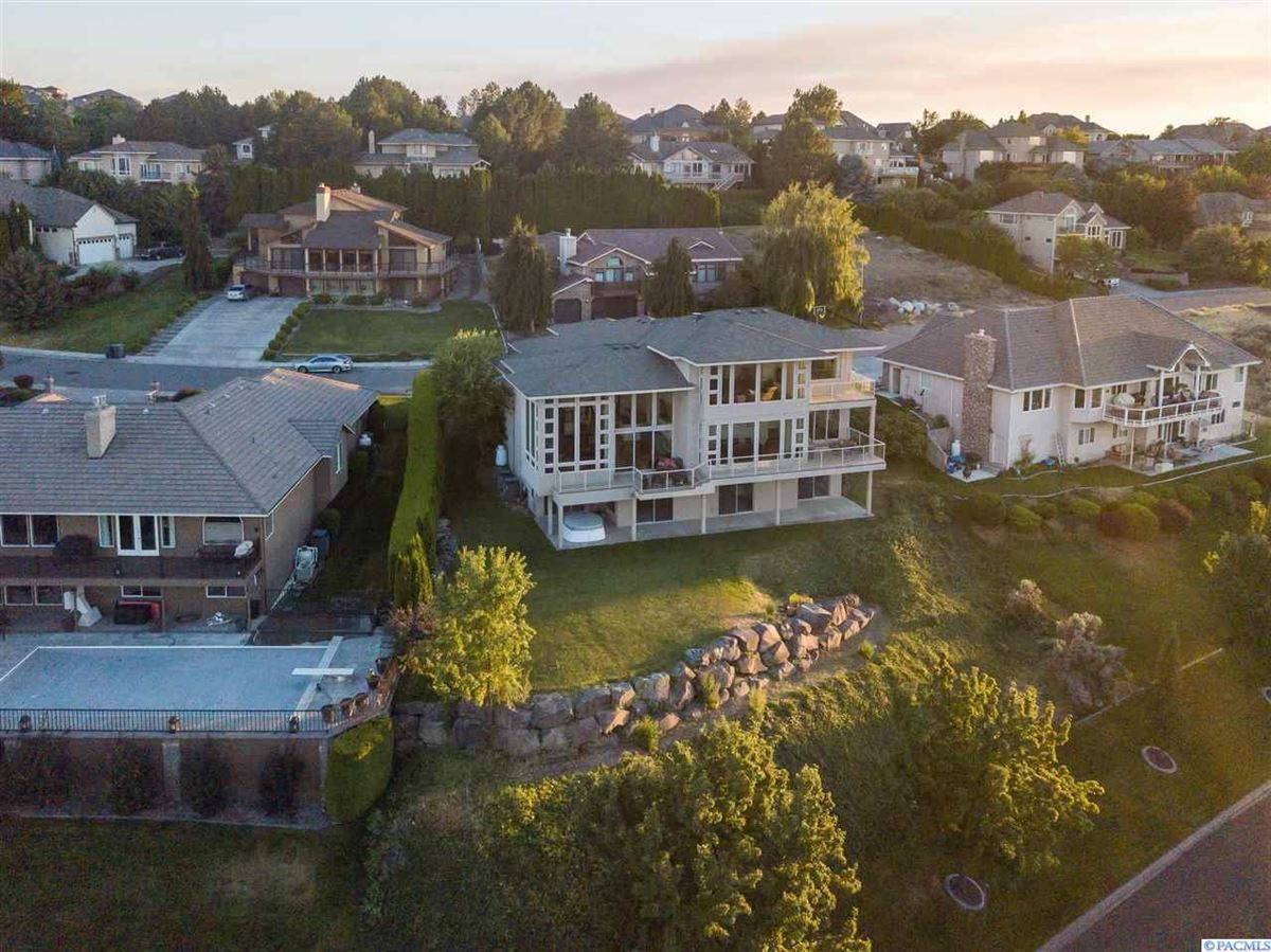 timeless custom built home with amazing views luxury properties
