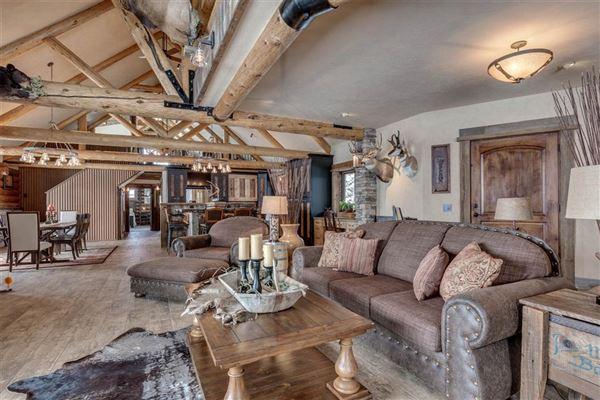 Luxury homes Montana Living