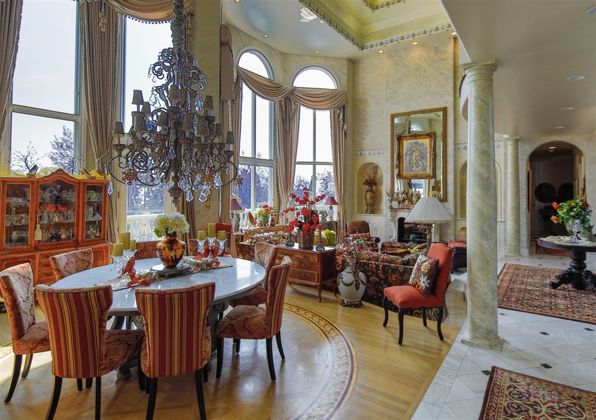 Mansions in Very large Beautiful Missoula home