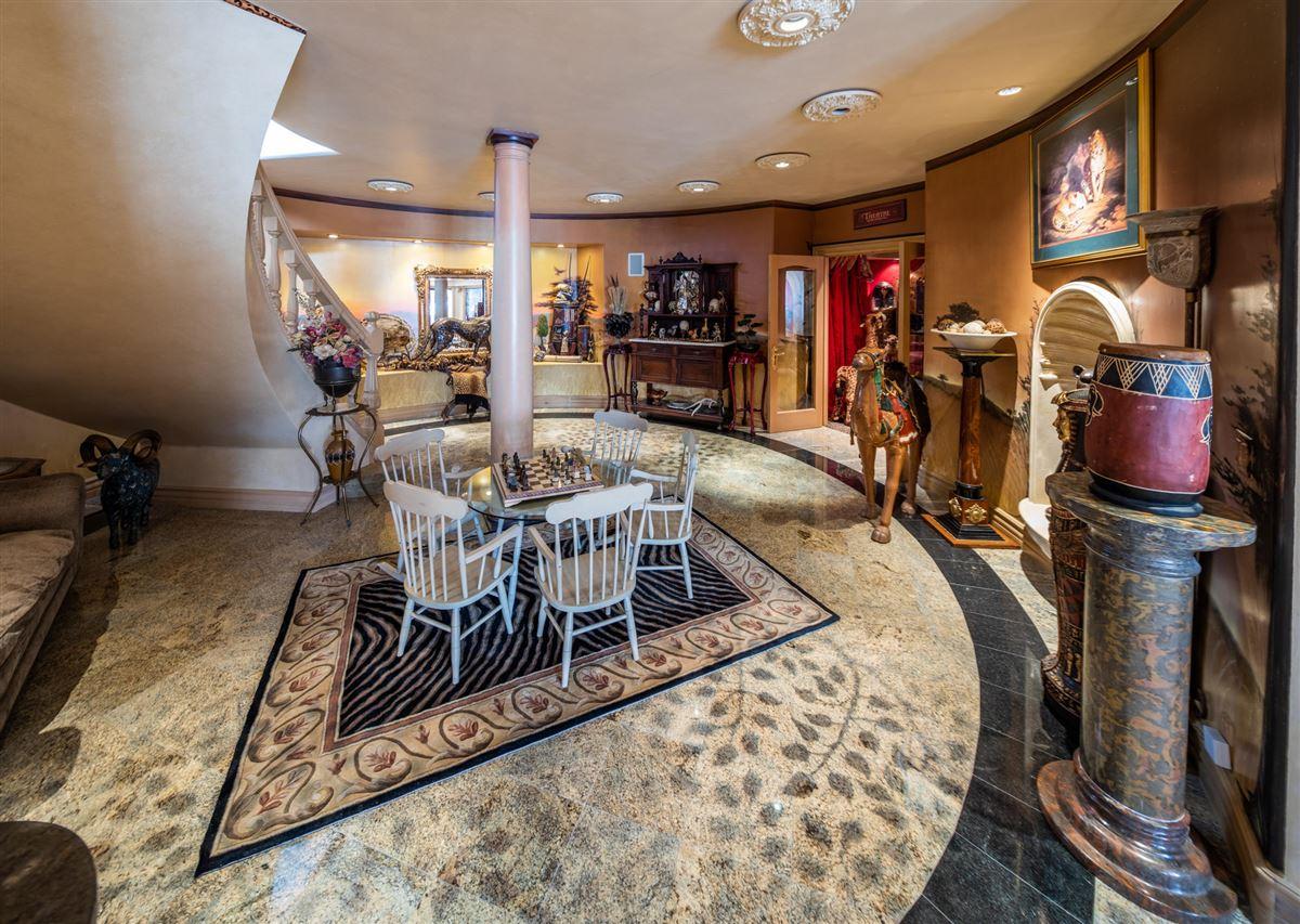 Luxury properties Very large Beautiful Missoula home