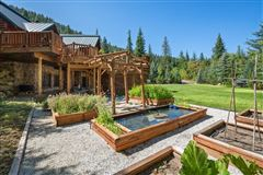 Spectacular and elegant log home lodge luxury homes