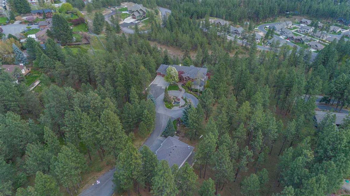 Luxury homes Exquisite estate in Heart of Northwood