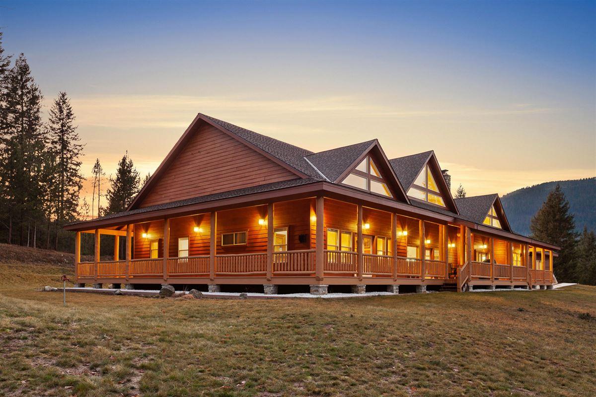 Mansions in sprawling North IDAHO Equestrian Ranch