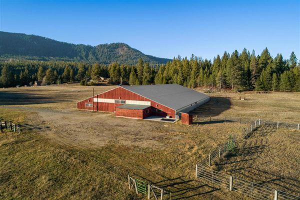 Mansions sprawling North IDAHO Equestrian Ranch