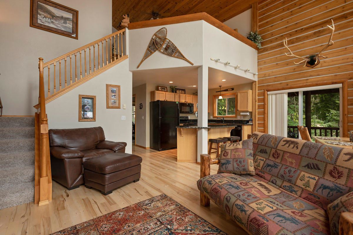 Mansions in PRIEST LAKE DREAM HOME