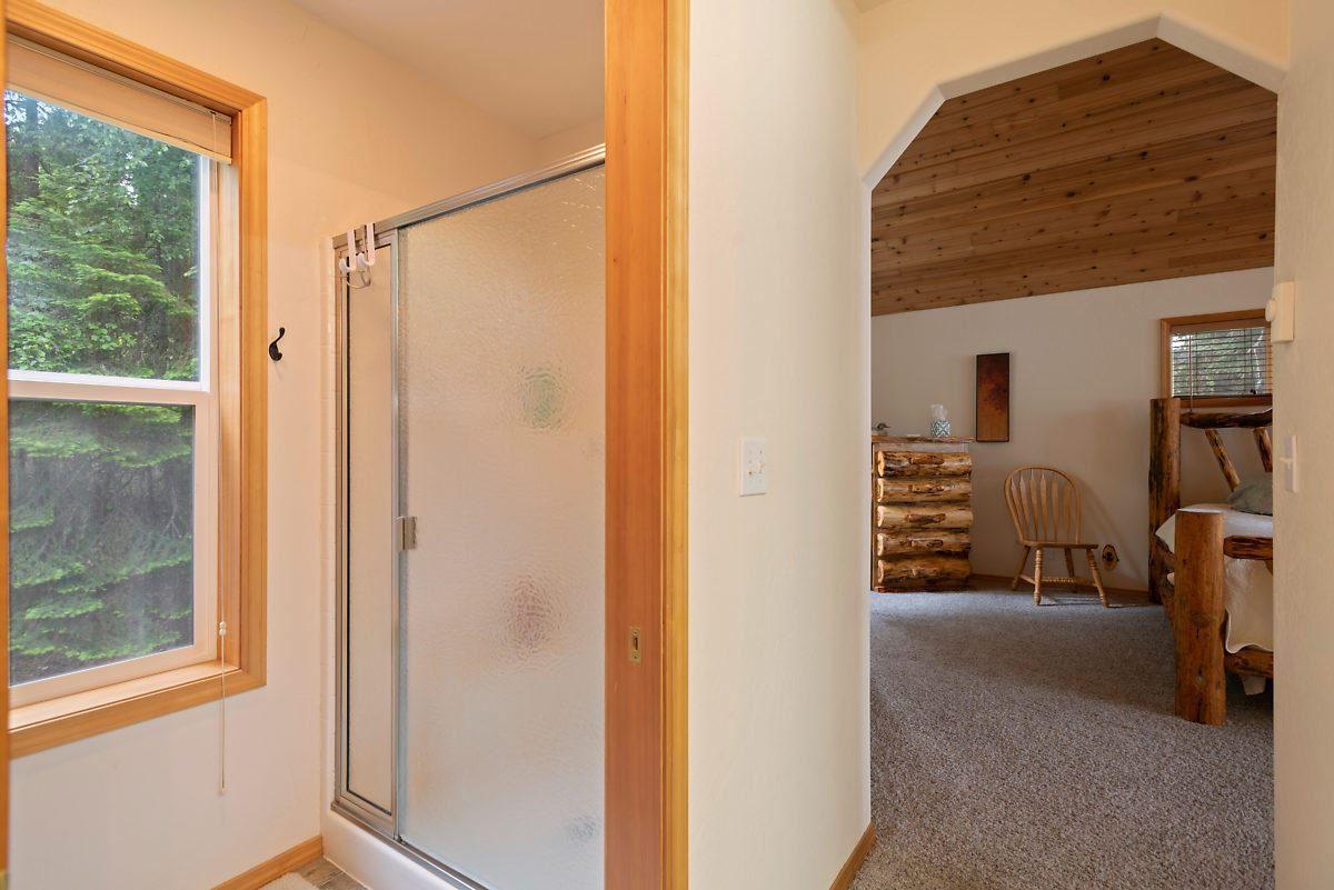 PRIEST LAKE DREAM HOME luxury homes