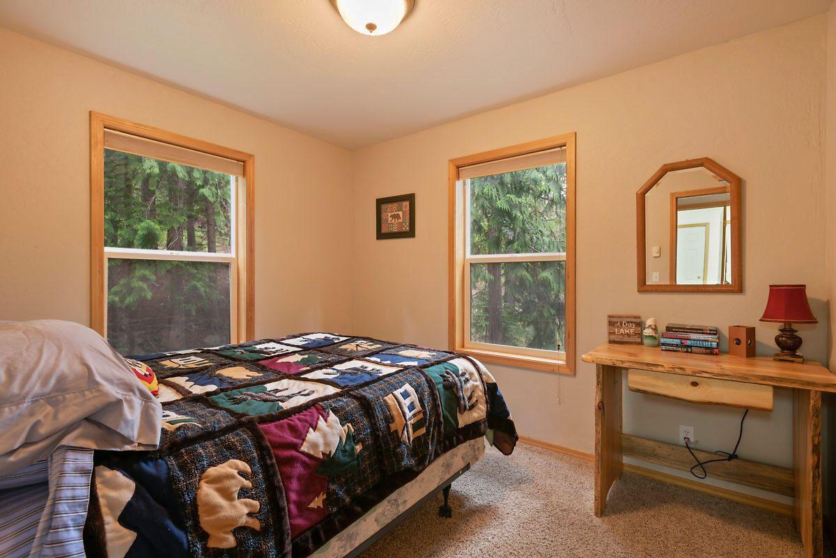 Luxury real estate PRIEST LAKE DREAM HOME