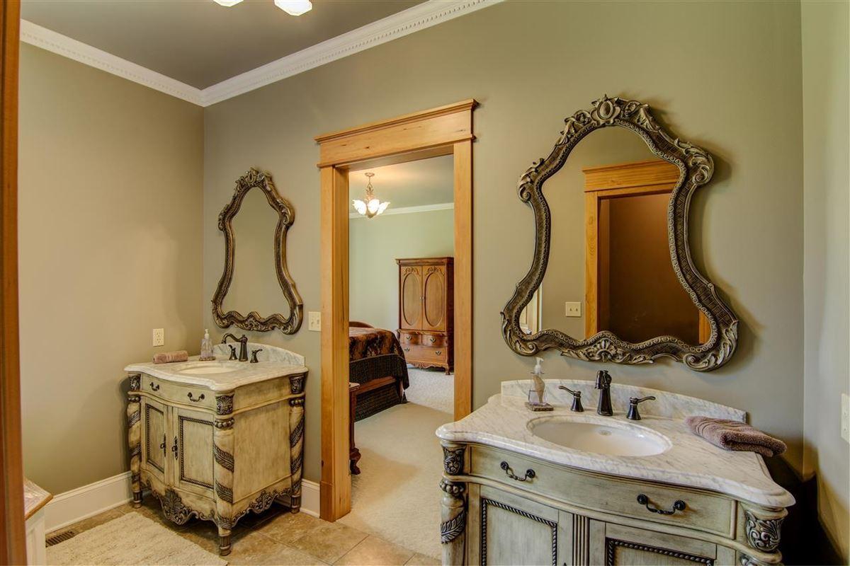 Luxury homes in Luxury Living