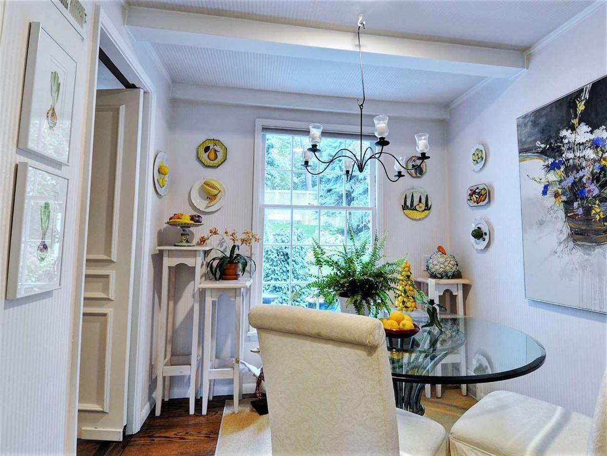 Luxury real estate gorgeous Spokane estate home