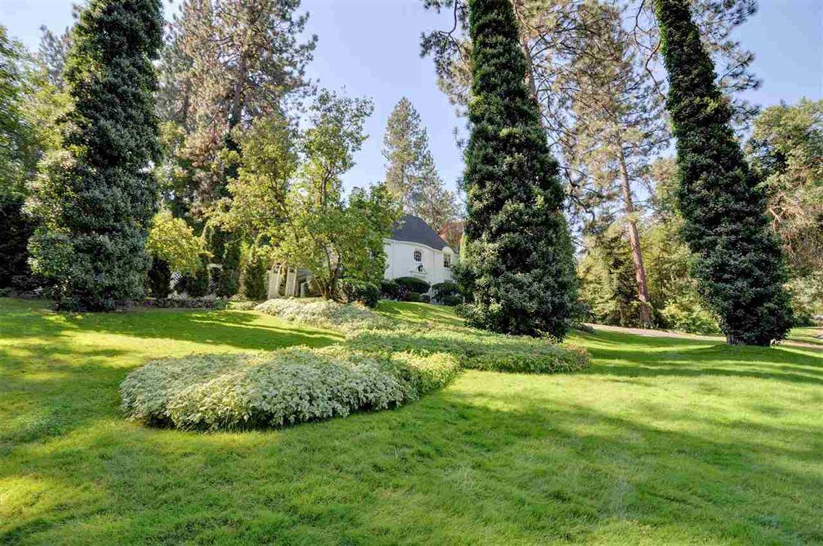 Luxury homes gorgeous Spokane estate home