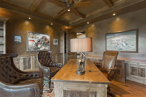 Luxury properties Amazing custom home on over 160 acres