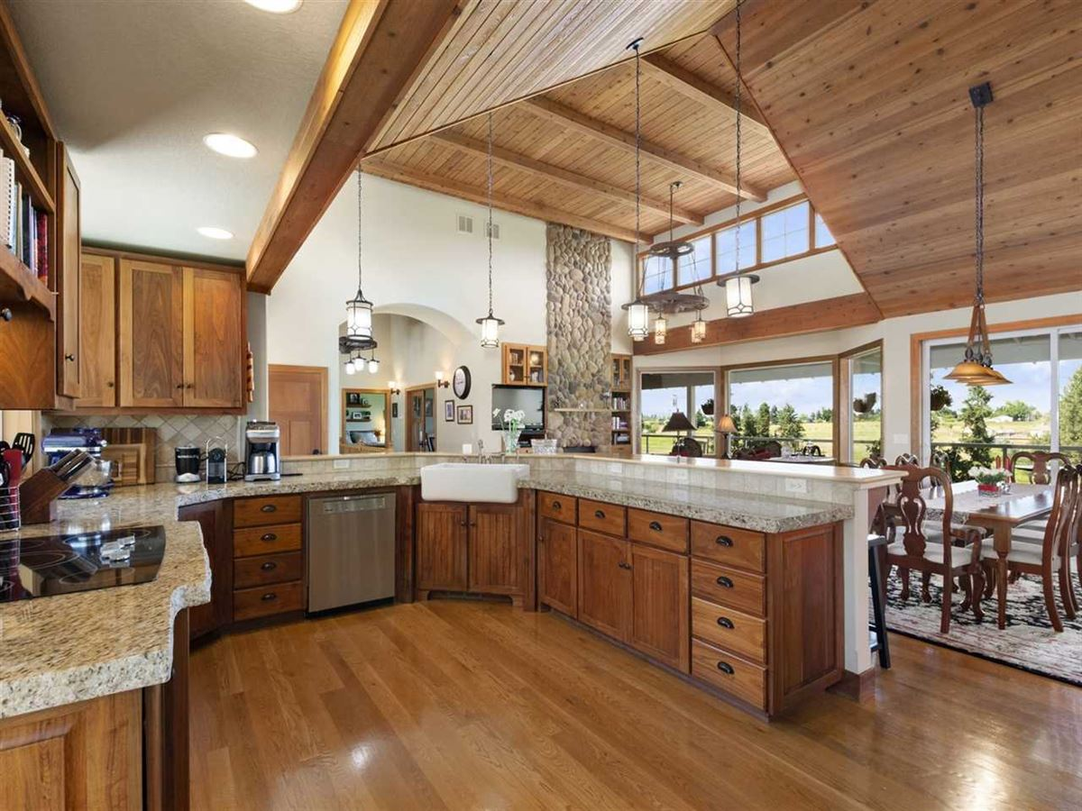 Luxury homes daylight rancher on 10 rolling acres