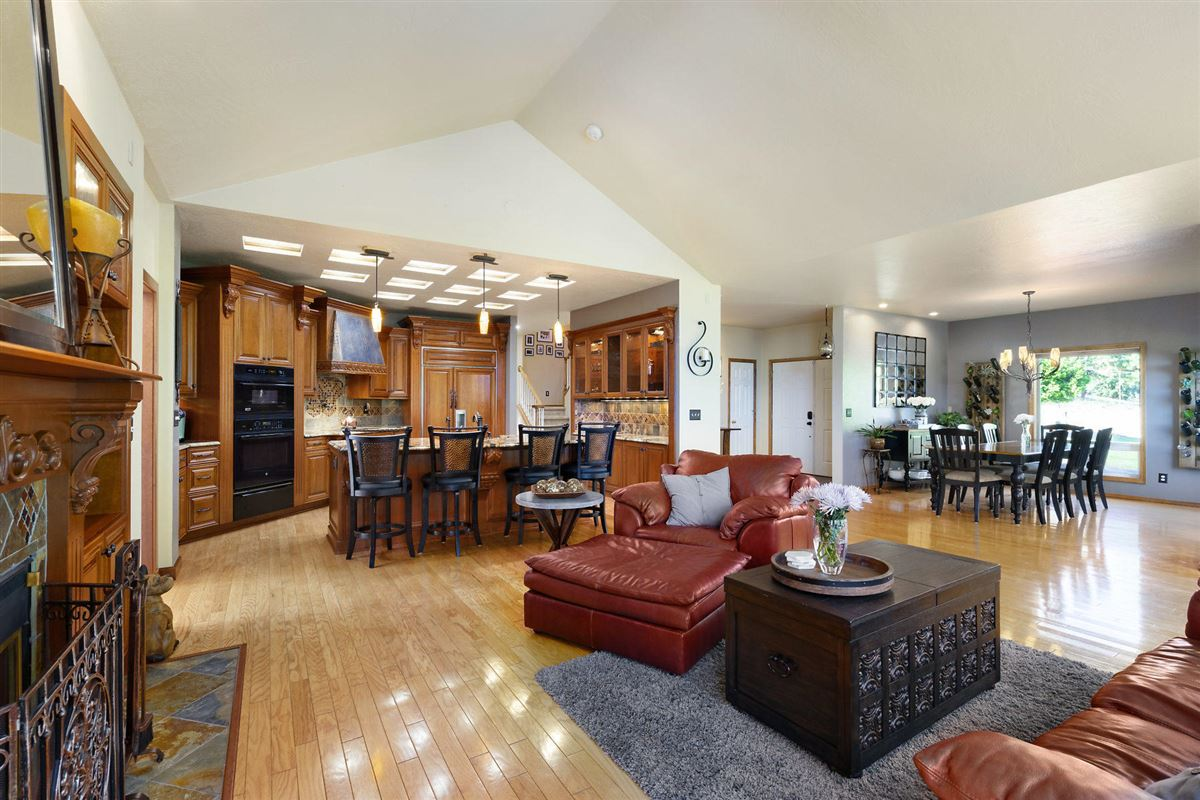 Mansions in North Idaho mountaintop gem