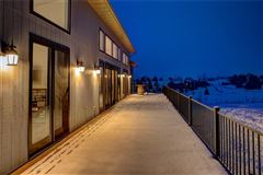 Mansions in amazing contemporary in bozeman