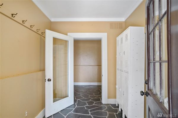 Luxury properties rare custom offering