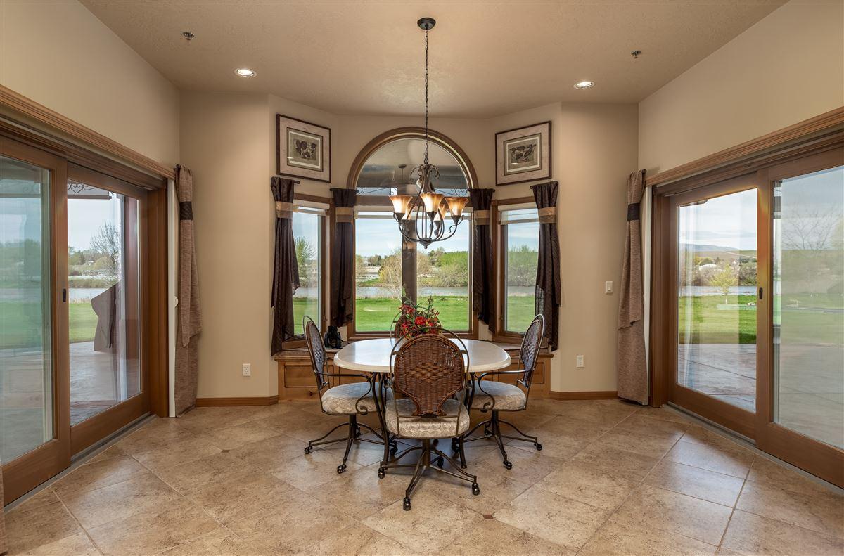7 acres of serenity luxury properties
