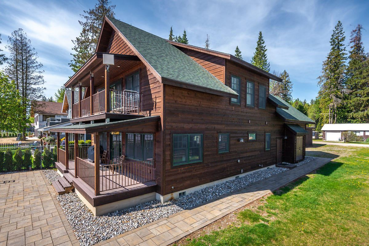 A rare opportunity on Priest Lake mansions