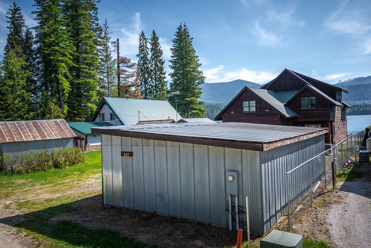 Mansions in A rare opportunity on Priest Lake