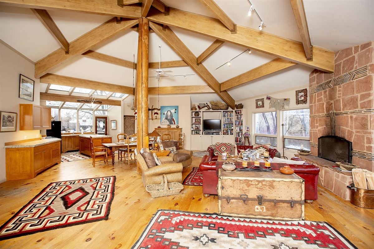 equestrian paradise of over eight acres luxury homes