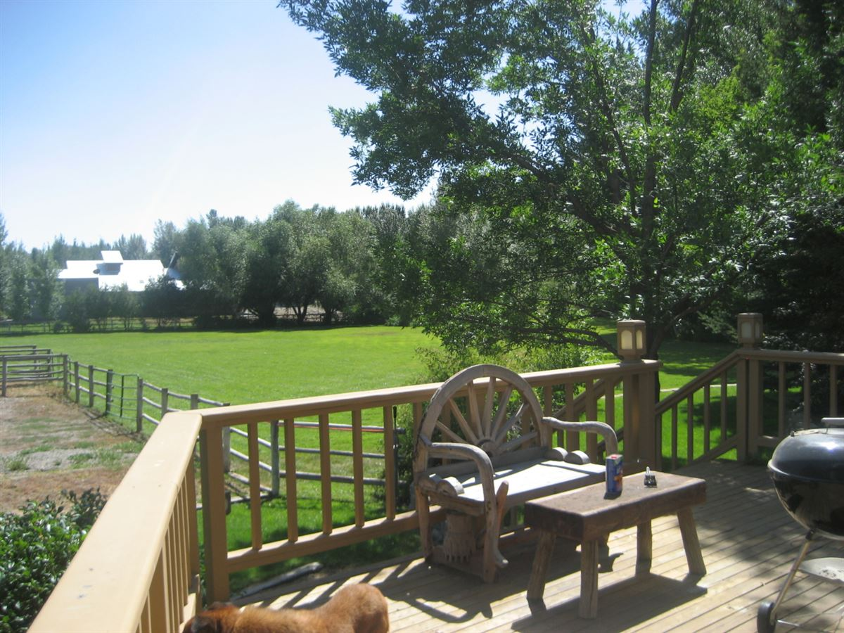 equestrian paradise of over eight acres luxury properties