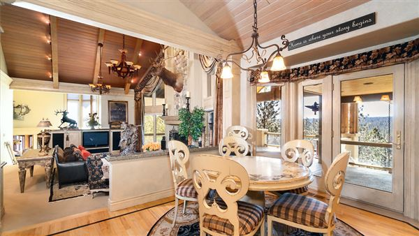 Mansions in One of the most stunning properties in Eastern Washington